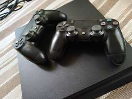 vendo ps4 slim 1tera + 2 joystick