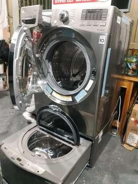 Remate lavadora con twinwash de 44 libras marca LG de exhibición de almacenes.