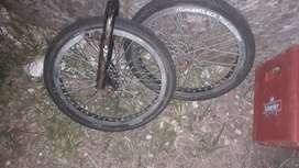 Vendo ruedas de bmx con cubiertas (precio negociable)