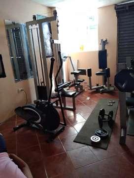 Se vende varias máquinas de gym