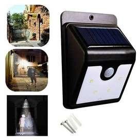 Lampara Exterior o Interior Ever Brite Energia Solar Sensor Movimiento