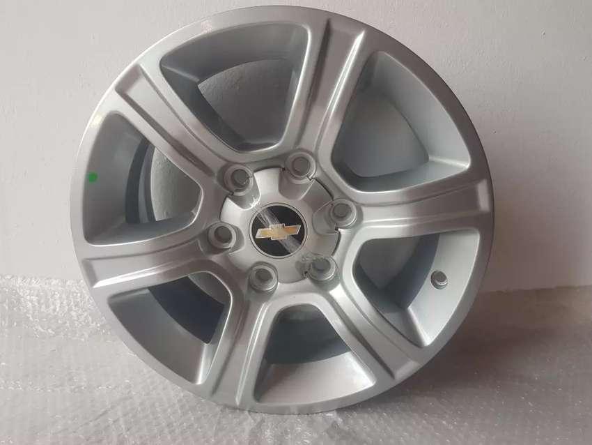 Llanta de Chevrolet S10 rodado 16 original 0