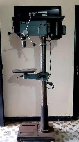 Taladro de columna industrial Marca Delta 17 - 900