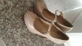 Zapatos de tacón Americanos nuevos