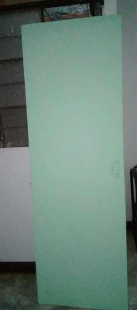 Puerta baño medida 60 y medio de ancho x 186 de largo