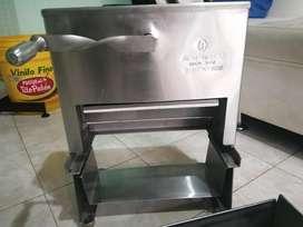 Maquina Tajadora de Queso con 4  Moldes