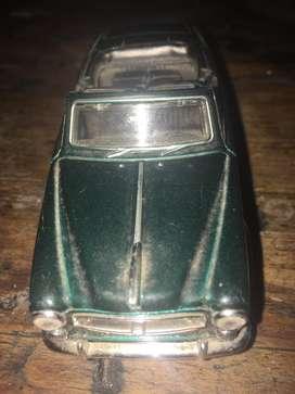 Carro de coleccion peugeot 408