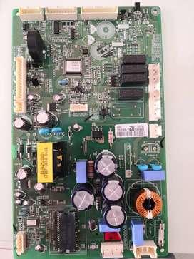 Reparación y mantenimiento de tarjetas y PC.