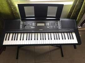 Piano Yamaha modelo PSR-363