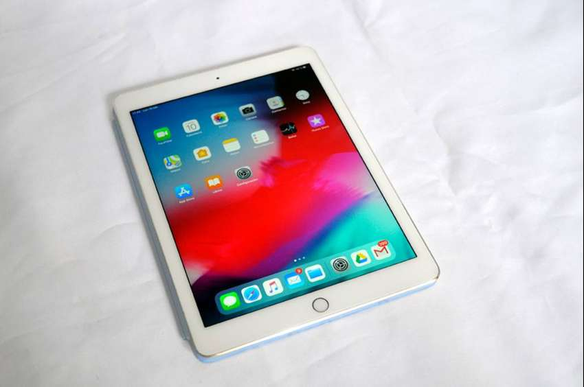 iPad Air 2 Gold 64Gb impecable 0