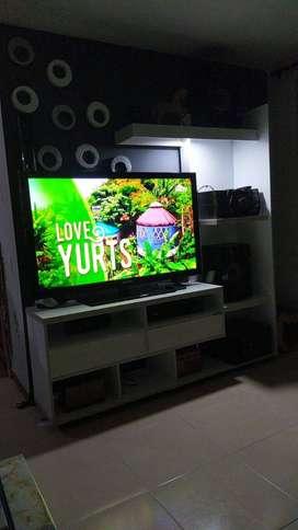 VENDO HERMOSO MUEBLE TV