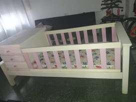 Vendo practicuna de madera + colchón marca Taurus sin uso