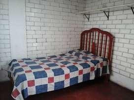 Alquilo Habitación en San Luis C/Baño Compartido y Salida Independiente