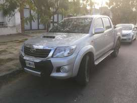 Vendo Toyota Hilux SR 4x4