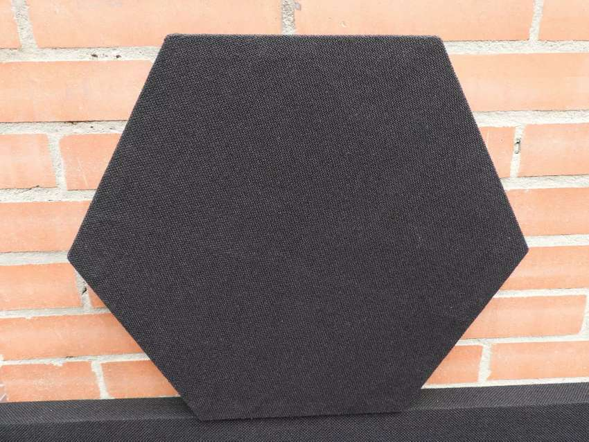 Paneles acústicos hexagonales para estudio
