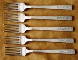 Braniff Vajilla de Abordo Cinco Tenedores en Metal Blanco elaborados por la Oneida Hotel Plate