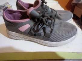 Vendo calzado de nena num 33-34