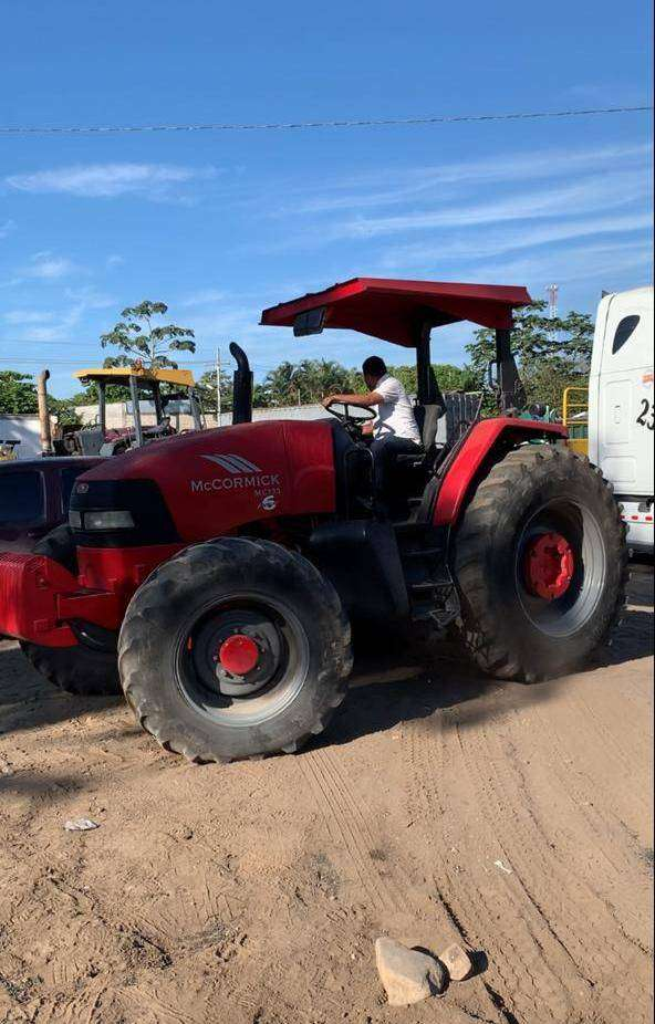 TRACTOR AGRICOLA MCCORMICK 0