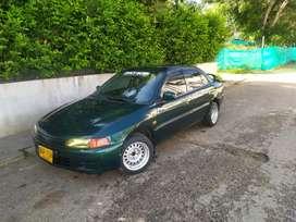 Vendo Mitsubishi Lancer modelo 1996 buen estado 6 meses de seguro  se hace traspaso panta de sonido Arie acondicionado