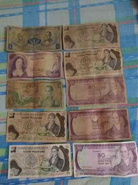 Se venden billetes antiguos,24 en total así como los ve en la foto,se venden todos para coleccionar