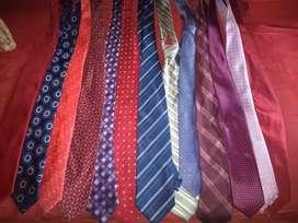 Corbatas finas marcas usadas