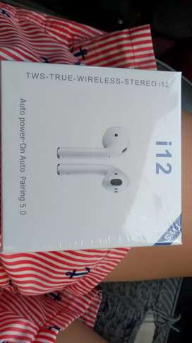 Vendo Airpods i12 son tactiles!! Nuevos sin uso!!
