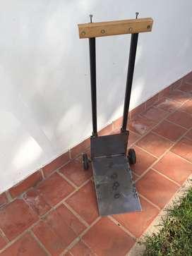 Carro para mover macetas u objetos pesados