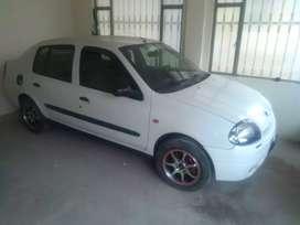 vendo Renault simbol $10000000