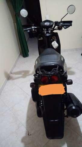 Moto bws color champaña