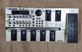 Pedalera BOSS GT6