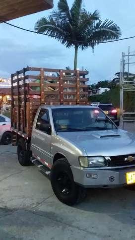 Camioneta de estacas Chevrolet Rodeo 2003