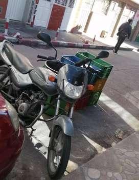Se vende moto boxer 100