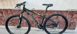 Vendo bici MTB Venzo Raptor Rodado 29, cuadro S, 24 velocidades full shimano, acera
