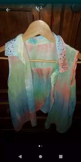 Camisa fresca espalda con tajo