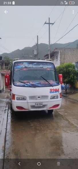 Buseta Nissan 2009