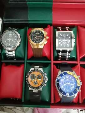 Lote de 5 relojes en excelente estado 2.200.000$