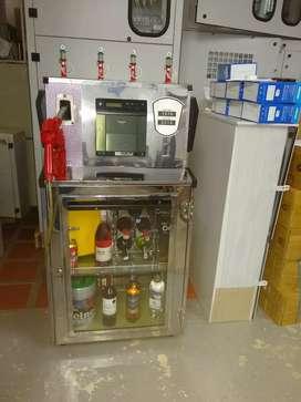 Dispensador de combustible convertido en licorera