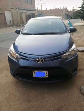 Toyota yaris 2016-2017  precio $11500 negociable.
