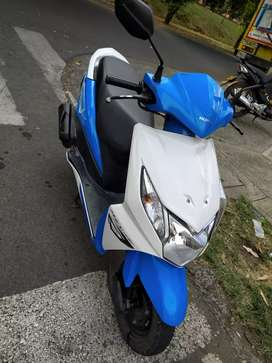 Se vende Honda Dio Azul Blanco