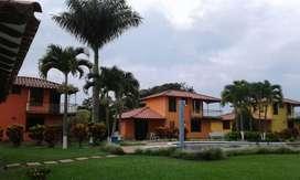 Hotel-Cabañas Pueblo Tapao, Parque del Cafe Cinco casas de 130 a 150 mts 4.500 mts de lote, piscina Kiosco