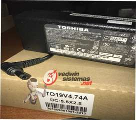 CARGADOR DE LAPTOP TOSHIBA 19V 4.74