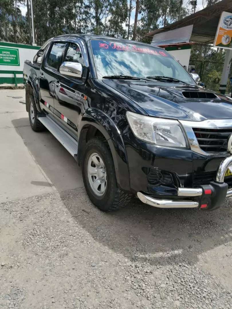 Vendo Toyota Hilux 4x4 turbo intercooler 2015