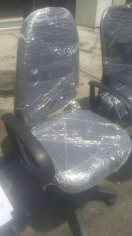 ¡A Reparamos! Y Tenemos los accesorios para sus sillas nuevas y usadas.
