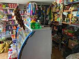Se vende tienda en el Sacatín de Villapilar