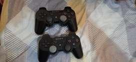 Play 3 con 2 controles y 4 juegos