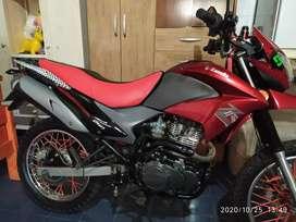 Vendo Zanella zr 250cc impecable como nueva con 5mil kilómetros