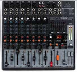 Vendo mixer Behringer X1222 USB