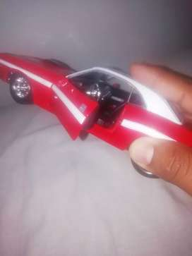 Dodge challenger R/T scale 1/24 año 2016
