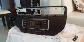 Vendo radio y consola original de kia rio Spice R,, a excelente precio. Lo vendo ya que le compre pantalla táctil...