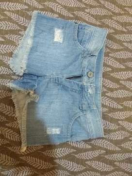 Shorts de jeans marca chk talle 8